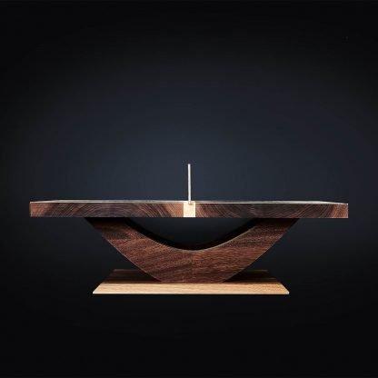 Seitenansicht Miniatur Tischtennistisch aus massivem Holz