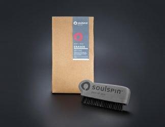 Mit dem Eraser Kleber entfernen von Tischtennis Hölzern und Belägen erhältlich im Tischtennis Shop von Soulspin